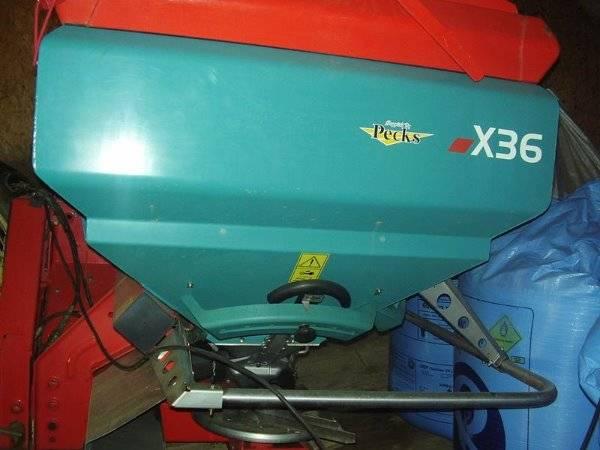 Reco Sulky X36 Fertiliser Spreader - 2009
