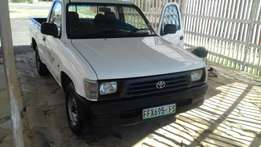 Toyota hilux bakkie for sale (2l petrol )