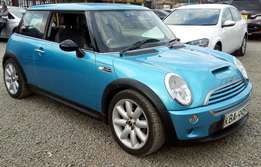 Mini Cooper for sale very clean year 2004 with Turbo charger