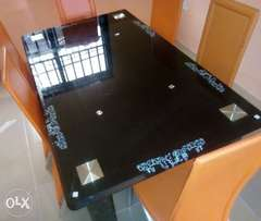 High class 6 sitter glass dining table