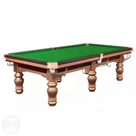 POOL TABLE American solid with Italian slate.