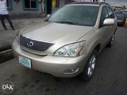 Clean buy n Enjoy Lexus Rx330 at 2.850m