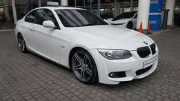 2011 BMW - 335i (E92) Coupe Sport Auto Facelift which has done 67500 k