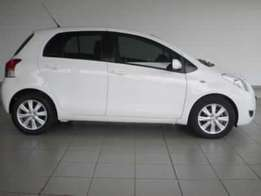 2011 used Toyota yaris for sale in very excellent condition.