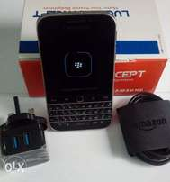 UK Blackberry Classic with Fast Charger