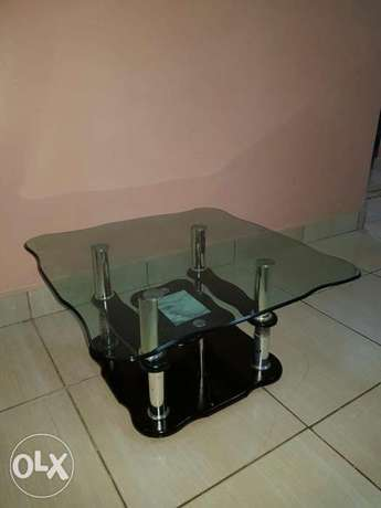 Unique 3 piece glass black coffee table at an affordable price Mombasa Island - image 3