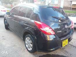 Quick sale Nissan Tiida hatchback 2009 make 1500cc KCG