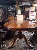 6 or 8 seated oval dinning table