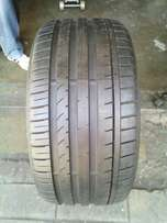 265/35/19 Bridgestone Runflat tyre for sell