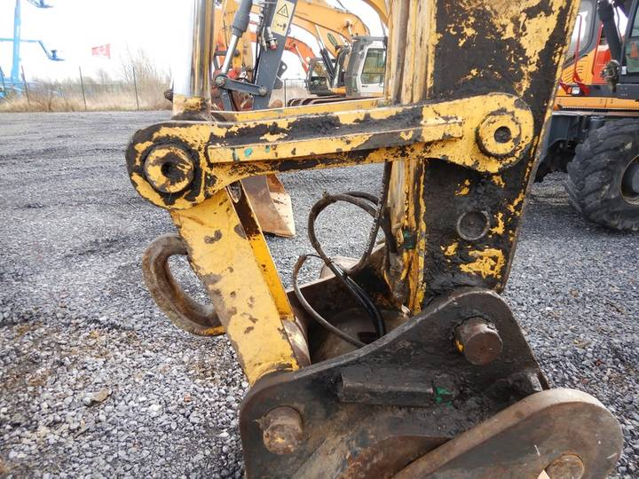 New Holland E135BSR-2 - 2009 - image 18