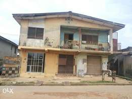 4 flat building by the road side at Aba-Alamu, Apata