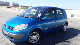 Renault Scenic 2005 20L 16 v in Excellent Driving Condition
