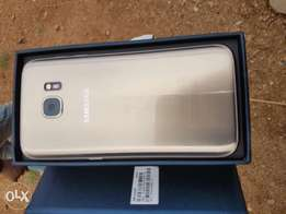 Mint Samsung S7 Uk used Gold for sale