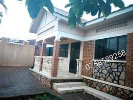 3bedroomed garage and 3 boys quaters stand alone in kisas at 700k