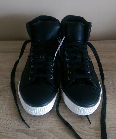 536d3165f36a3 Nowe ocieplane trampki Venice r. 40 z futerkiem czarne damskie buty  Chwaszczyno - image 2