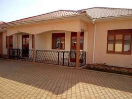 Stunning 2 bedroom 2 baths house for rent in Naalya at 500k