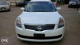 Tokunbo Nissan 2009/2010 Altima, Thumb Start Push Button