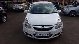 2009 White Opel corsa 1.4 for sale