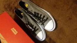 Limited edition men's levis takkies