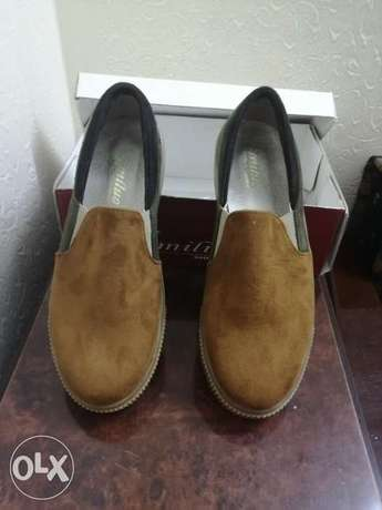 Shoes for sale only for 40 alf lira