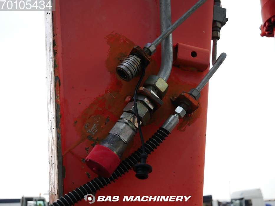 Hitachi EX165 German Dealer Machine - 2002 - image 11