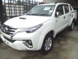 Toyota hillux double cabin