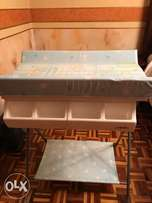 Baby bath station with stand and organizer