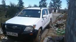 Toyota Hilux Vigo.NOT D4D,4 wheel drive,Fully loaded,Extremely Clean
