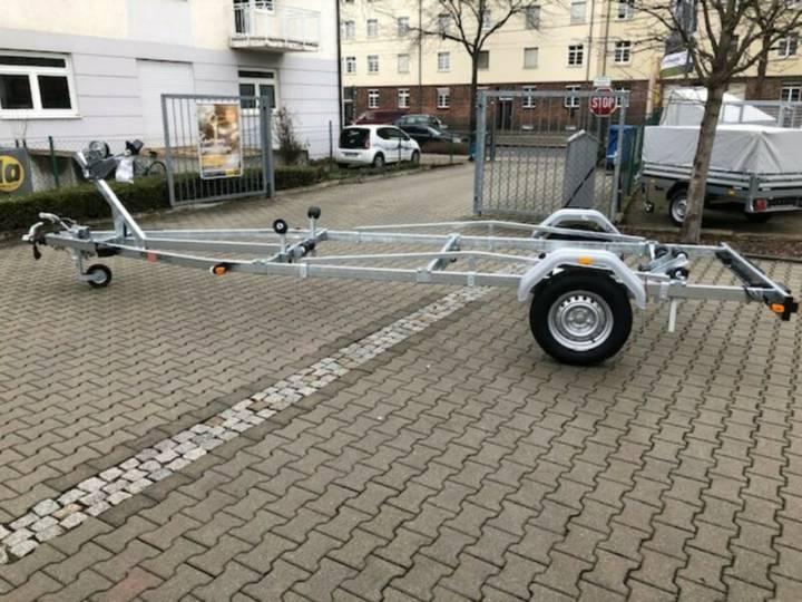 Brenderup Bootsanhänger Premium 1300 + Stützrad und Winde