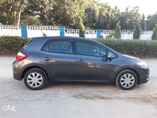 For sale: Toyota Auris 1500cc 2011 at Avenue Motors Ltd Mombasa Island - image 4