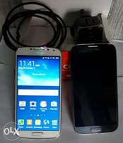 Very Smart Galaxy S4 with Original Charger