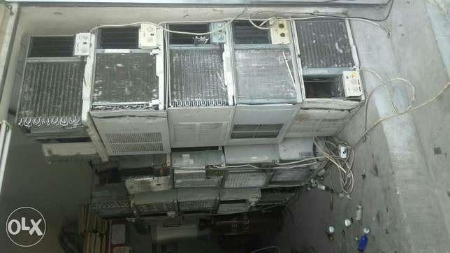 Window ac for sale good conditions good working with fexing