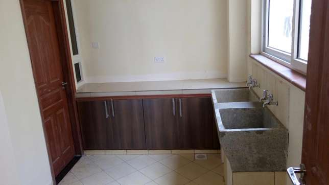 Modern brand new 3 bedroom apartment with servant quarter and pool Nyali - image 4