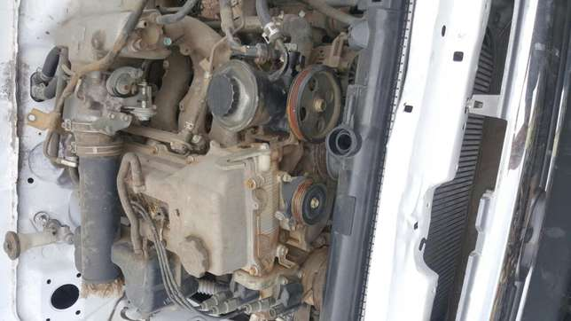 Hilux 2.7 3rz stripping for spares Rustenburg - image 3