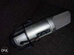 Mic is Rode Nt2a