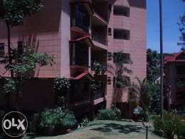 3 Bedroom fully furnish apartment; brookside drive; To let. Sandalwood
