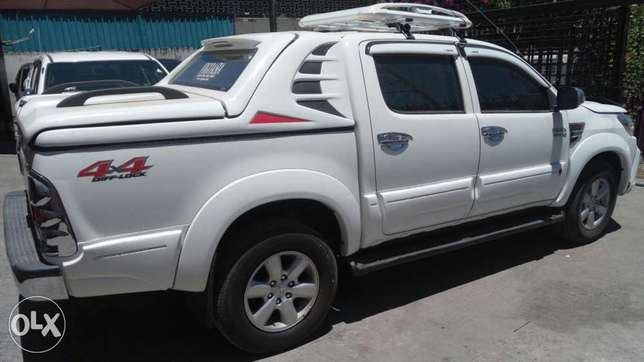 Toyota Hilux Double cab KCP number 2011 Model. Facelift 2016 Loaded w Mombasa Island - image 3