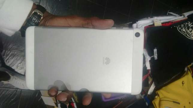 Huawei tab Quick sale Kariobangi North - image 4