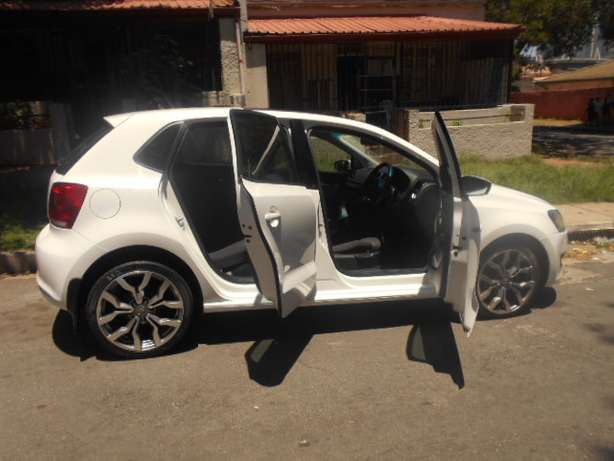 2013 VW Polo 6 1.4 with mags and a panoramic sunroof for sale Johannesburg - image 4