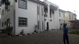 Fully detached 9 bedroom duplex with two rooms bq for rent in Wuse 2