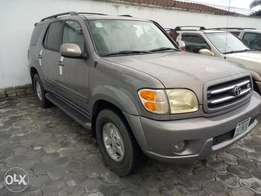 Super clean 2009 toyota sequoia