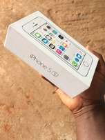 iphone 5s slightly used but in box