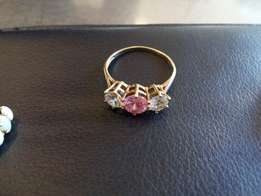 Gold 14ct ladies ring . solid gold