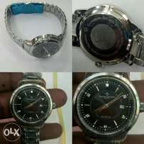 Original watch for ladies scratch proof.