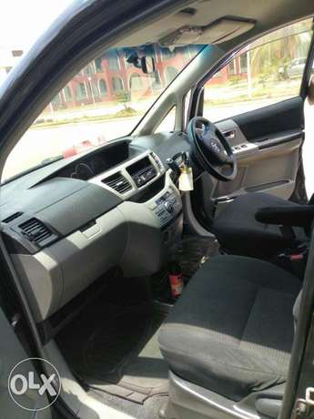 Very Clean Toyota Voxy KBW for sale Gatwikira - image 3