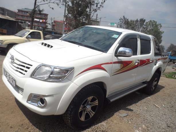 A clean and well maintained toyota hilux Umoja - image 4
