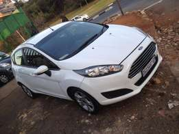 2014 ford fiesta 1.4 white colour with 14000km R138000