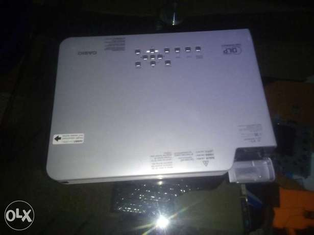 Projector for hire Umoja - image 1