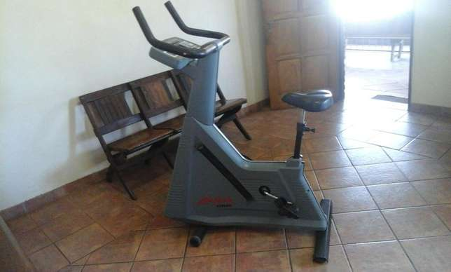 Used Life Fitness Exercise Bike for sale Heidelberg - image 5