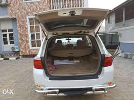 Neatly used 2008 model Toyota highlander for sale in port Harcourt.